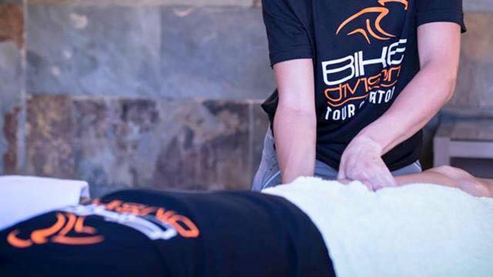 Rennradreise Gran Canaria - Um Deine Muskulatur nach den Touren zu entspannen und geschmeidig zu halten, bieten wir täglich Massagen an